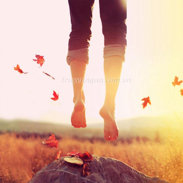 0 autumn feet jump portrait Favim.com 439930 - Truyện ngắn: truyện tình cây lá và gió
